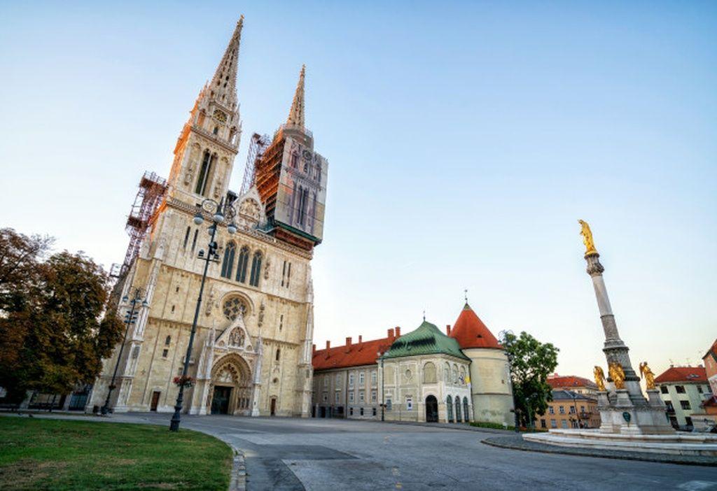 Zagreb Cathedral In City Center Of Zagreb Croatia Paid Sponsored Paid City Croatia Zagreb Cathedral In 2020 Cathedral Zagreb Barcelona Cathedral