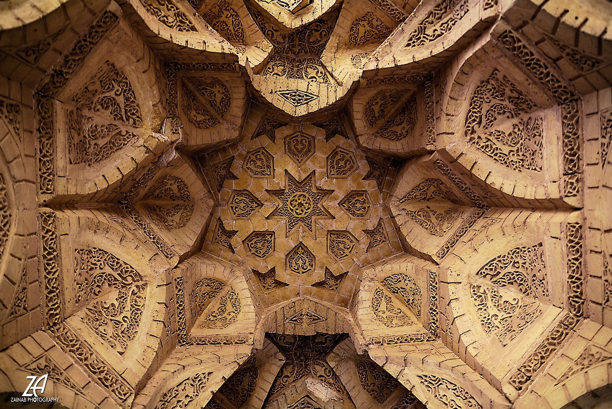 فن العمارة الإسلامية في العصر العباسي بغداد The Islamic Art In The Abbasid Era Baghdad C Zainab Photography تصوير تصوير Quilts Blanket Photography