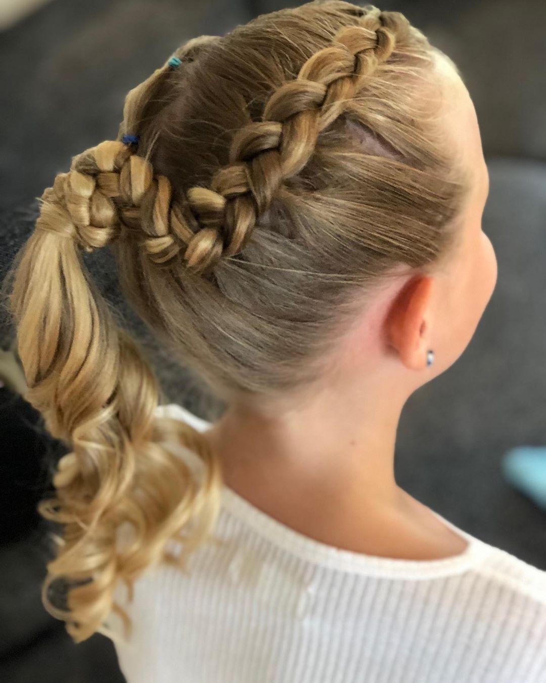 Fryzury Z Warkoczem Dla Dziewczynek Kids Hairstyles Hairstyles For School Curls For The Girls