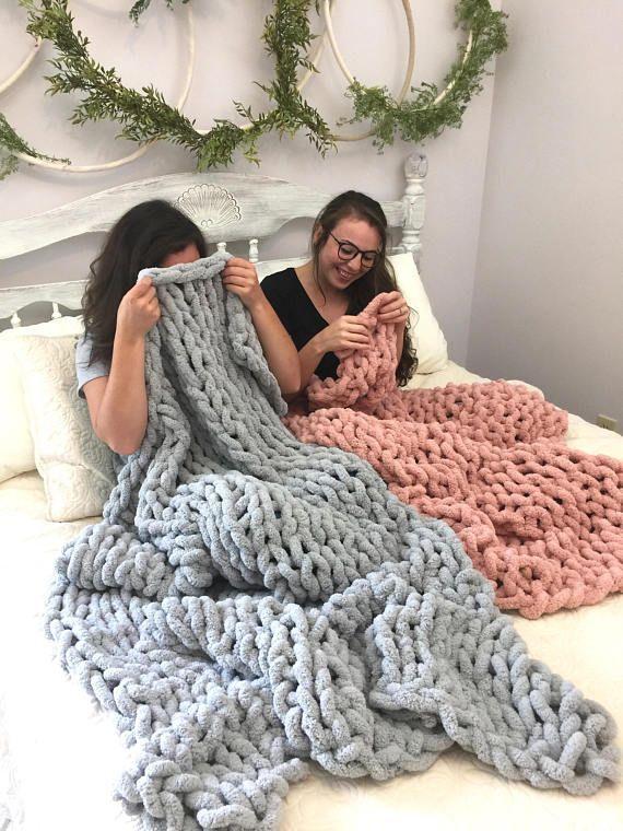 Best 12 Fluffy Knit Blanket Throw 40x50 Inch Chunky Knit Big Knit