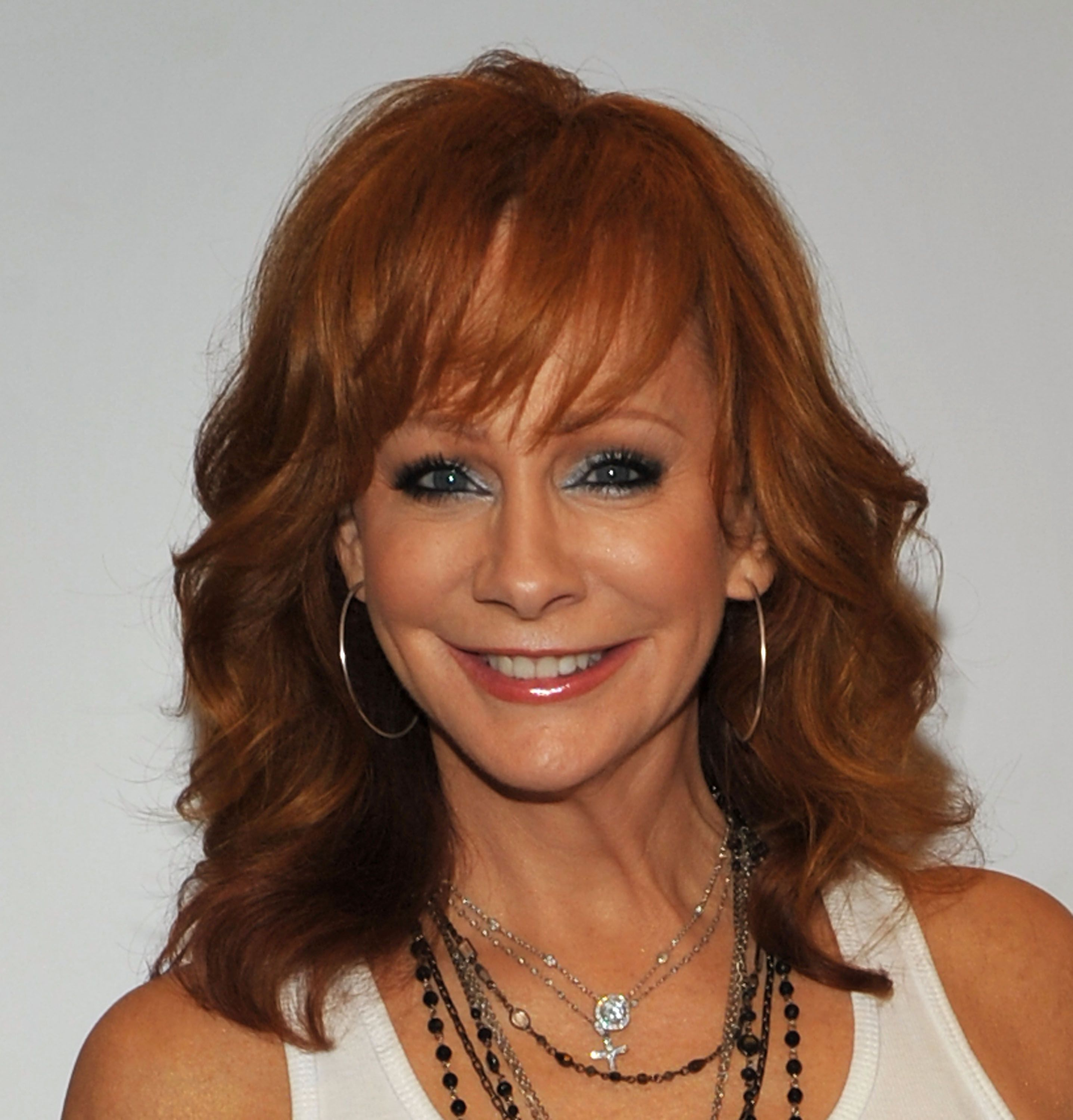Pin by Lois Harne on Reba in 2020 Makeup tips for