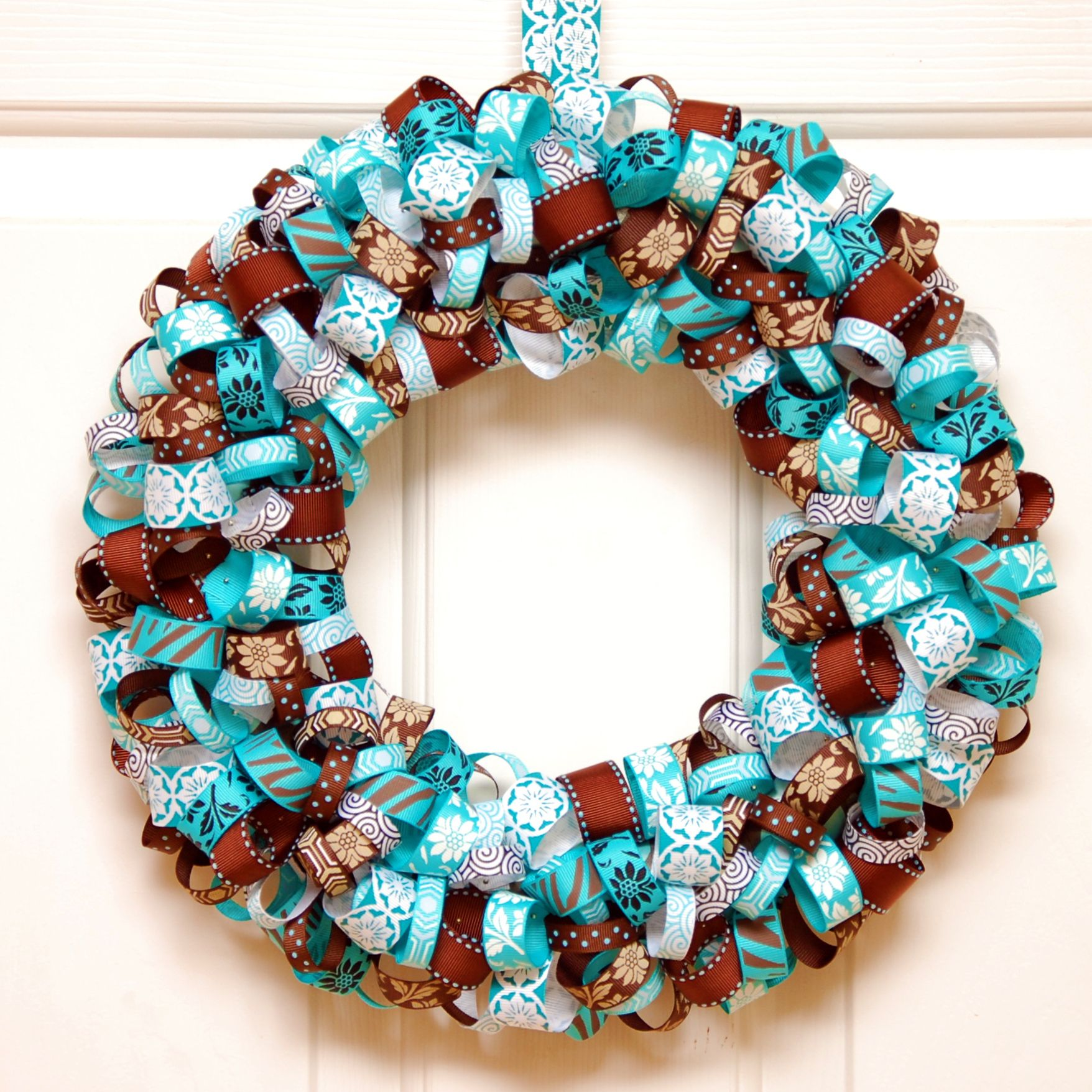 DIY Projects: Pretty DIY Fall Wreaths | Wreaths, Aqua and Ribbon wreath  tutorial