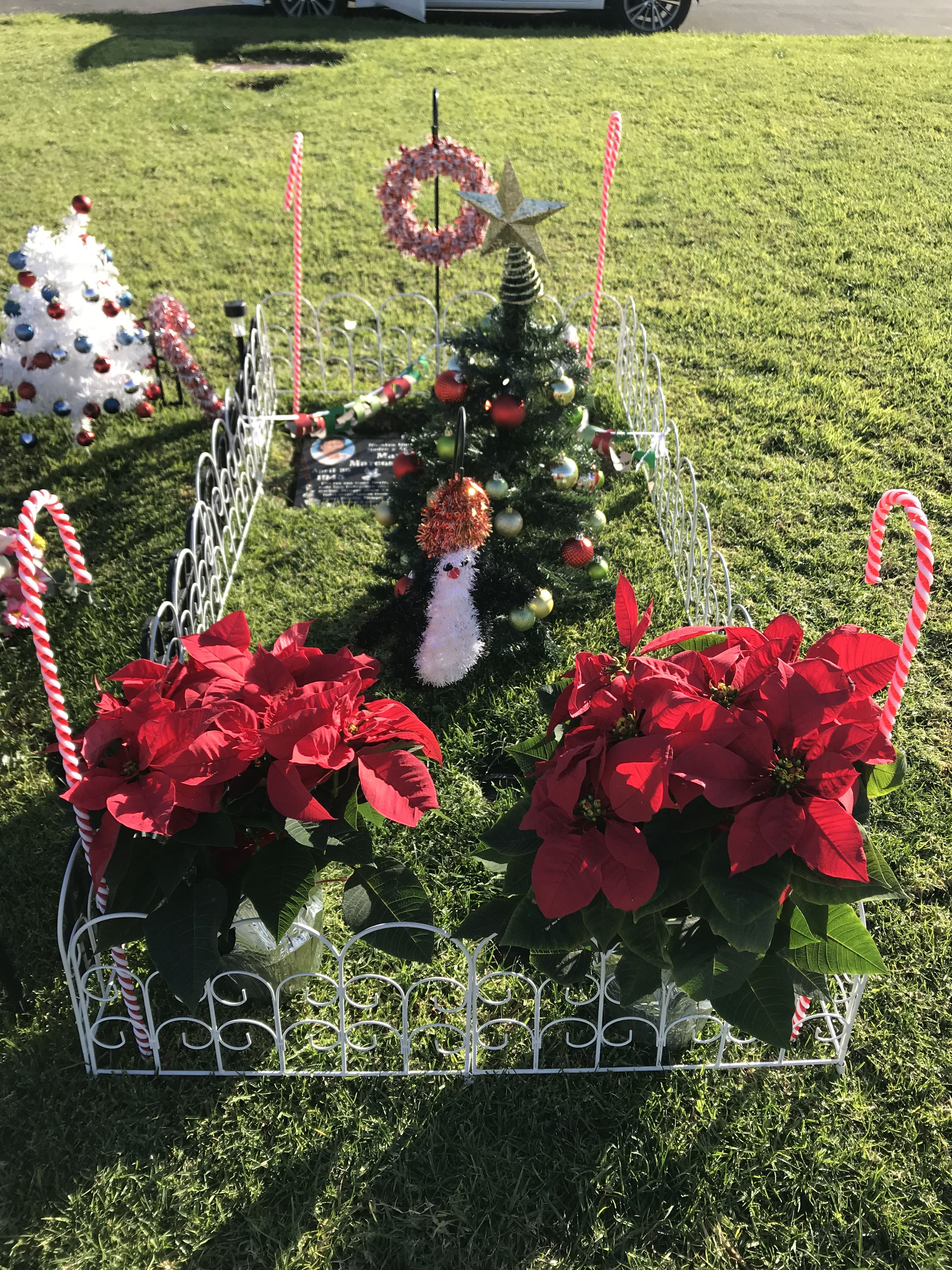 Christmas decorations 2017 | Mom's Decorations at the Cemetery ...