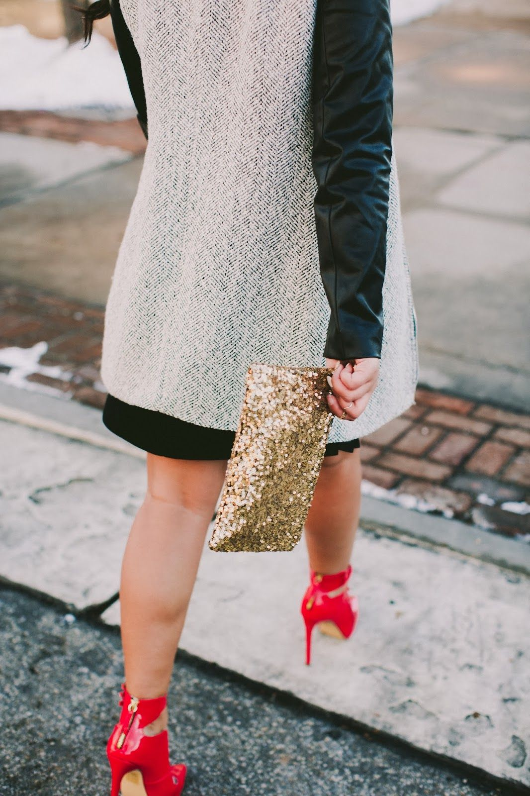 Red heels + Gold glitter clutch + Leather sleeves = <3