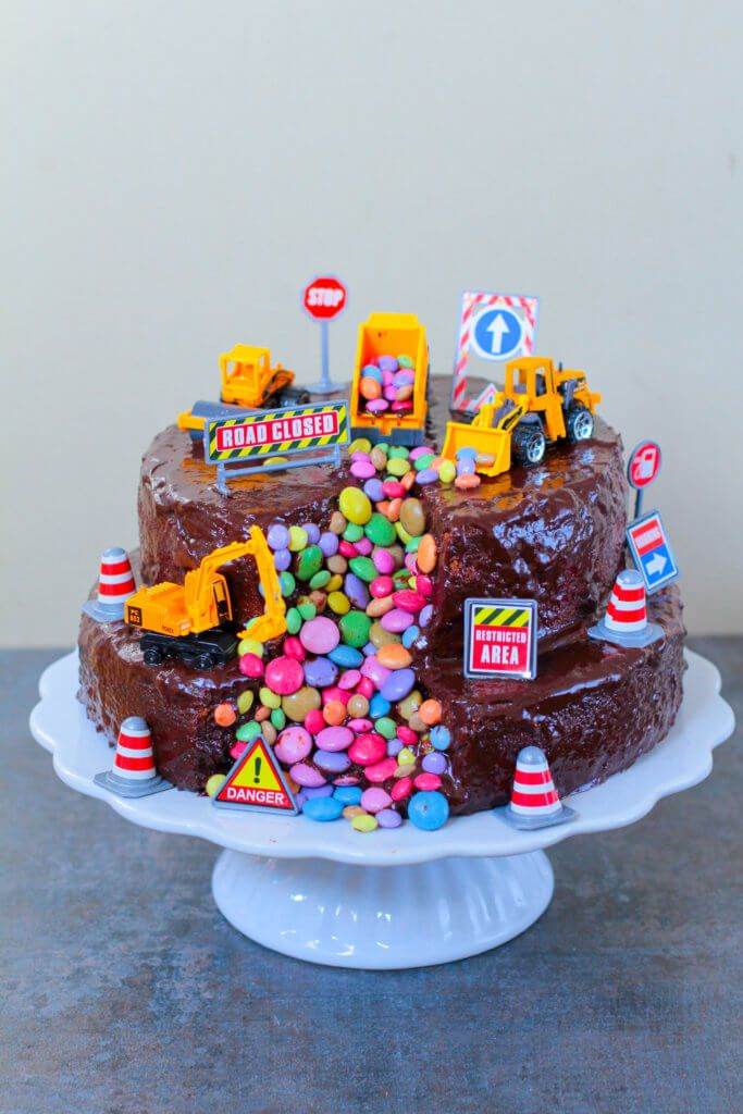 Bagger Torte | Digger Cake - City Cupcakes