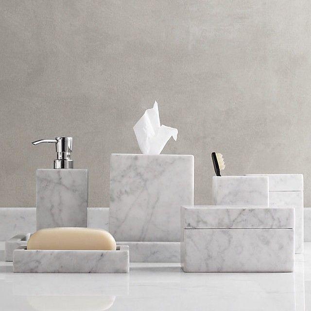 Set da bagno realizzato a mano in marmo bianco di carrara for Marble toilet accessories