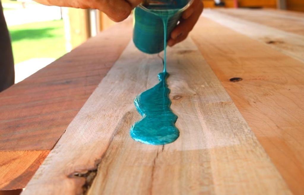 Epoxidharz Tisch Selbst Gemacht Uber 1000 Farben Epoxidharz Tisch Selbst Gemacht Uber 1000 Farben In 2020 Wiederverwendetes Scheunenholz Scheunenholz Epoxidharz