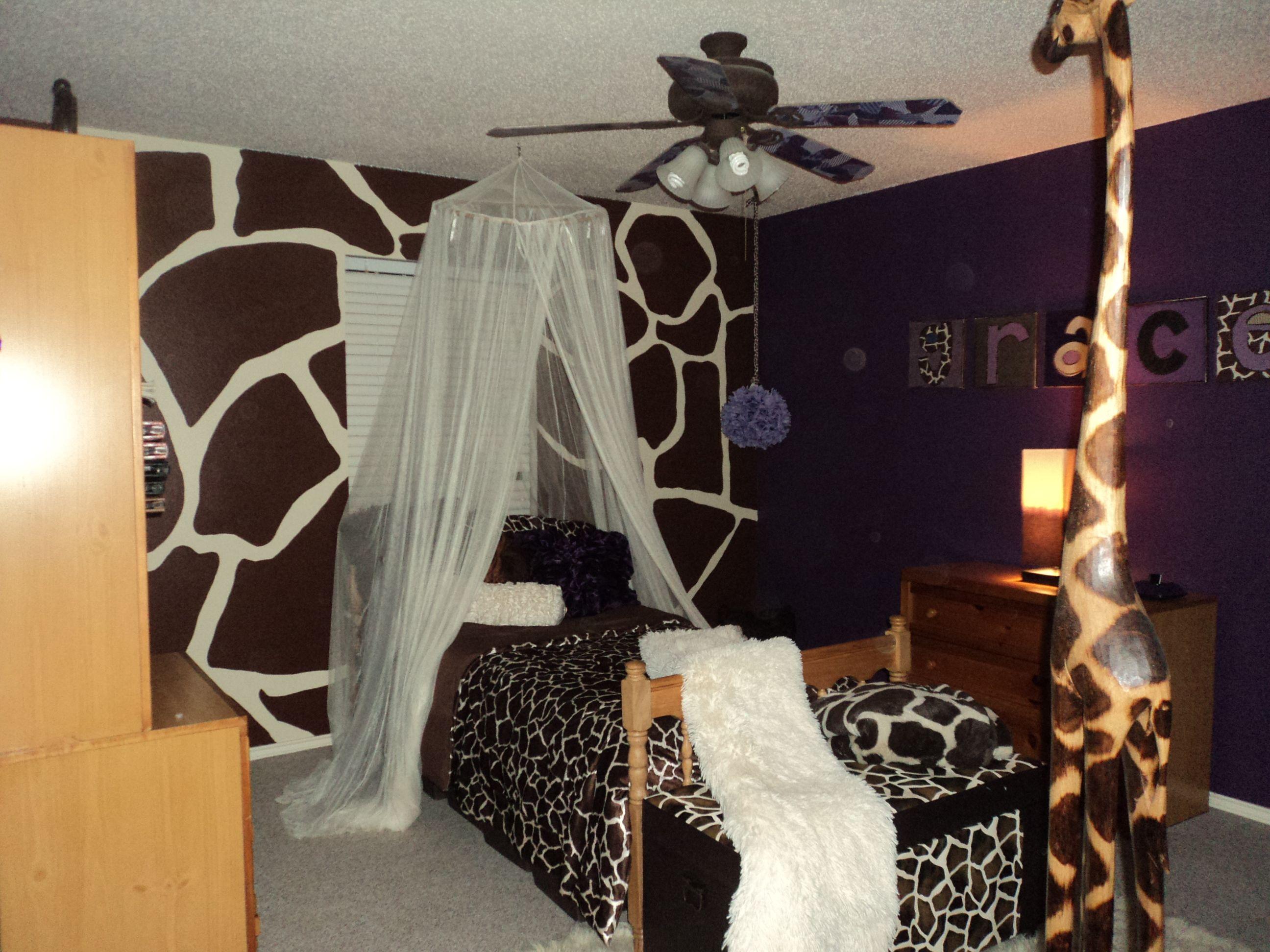 Giraffe Themed Room I May Do This Giraffe Bedroom