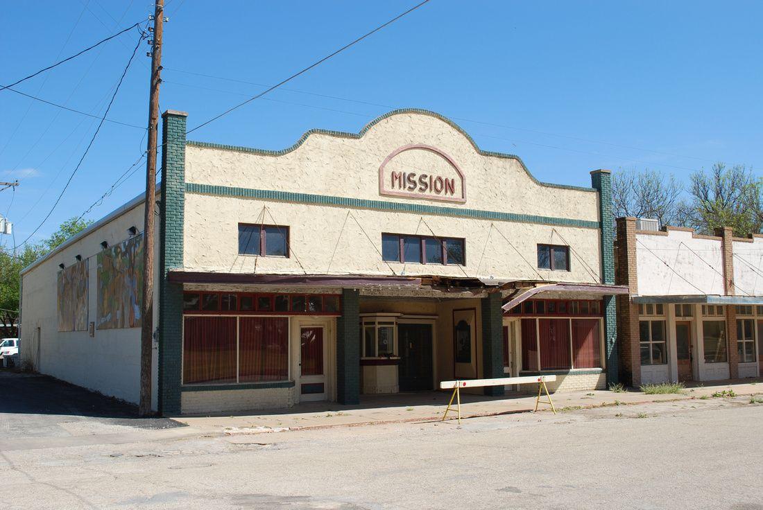 Mission Theatre Menard Tx 118 Bevans Street