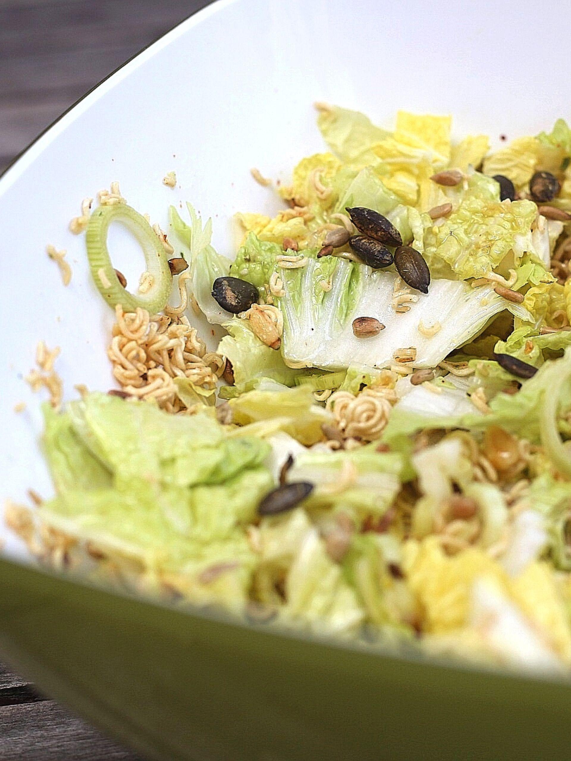 Yum Yum Salat aus Chinakohl