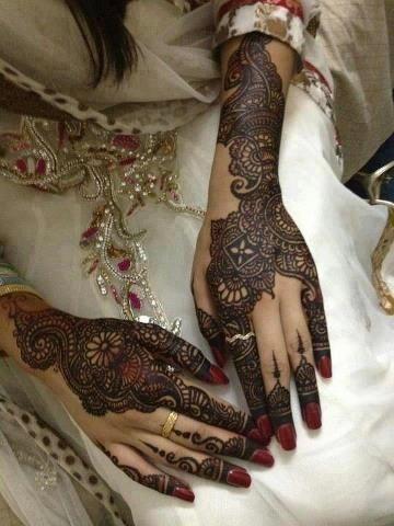 Bridal Mehndi Designs :Here I have chosen 25 Bridal Mehndi designs especially for you.