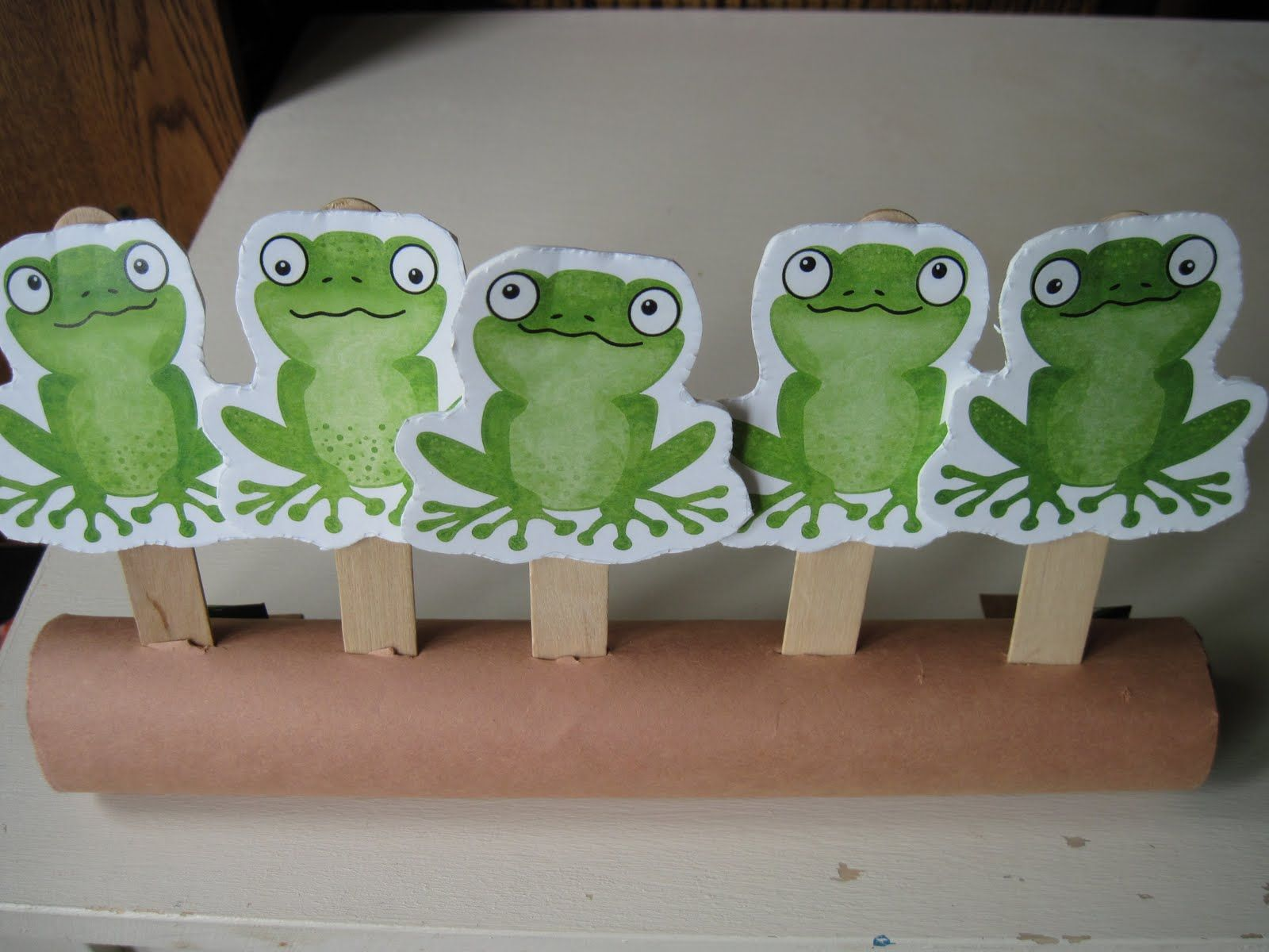 Tube Story: Five Green and Speckled Frogs | Frogs, Nursery and ...