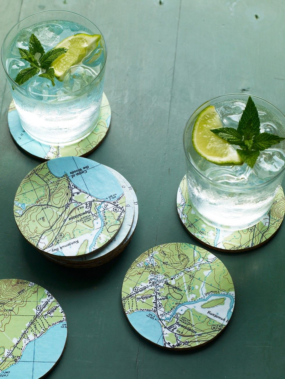 Don't stash away or discard maps from your favorite vacation spots. Use them to make these handy coasters and you'll be reminded of that special destination every time you reach for one. VIA @ms_living