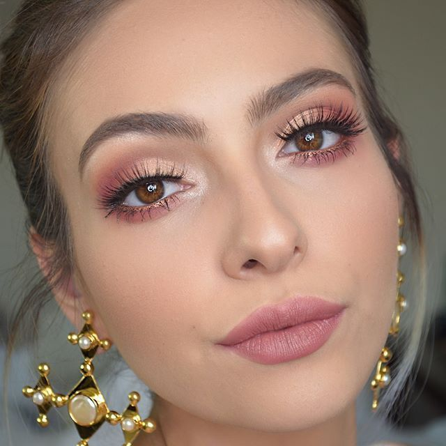 3 Looks using @anastasiabeverlyhills Modern Renaissance Palette... Tutorial up on youtube ........................... 3 Looks usando la� #make-upideen