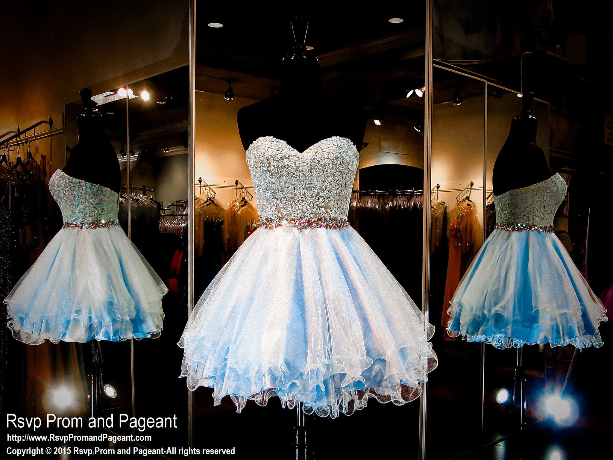 This super cute short homecoming dress features a lace sweetheart