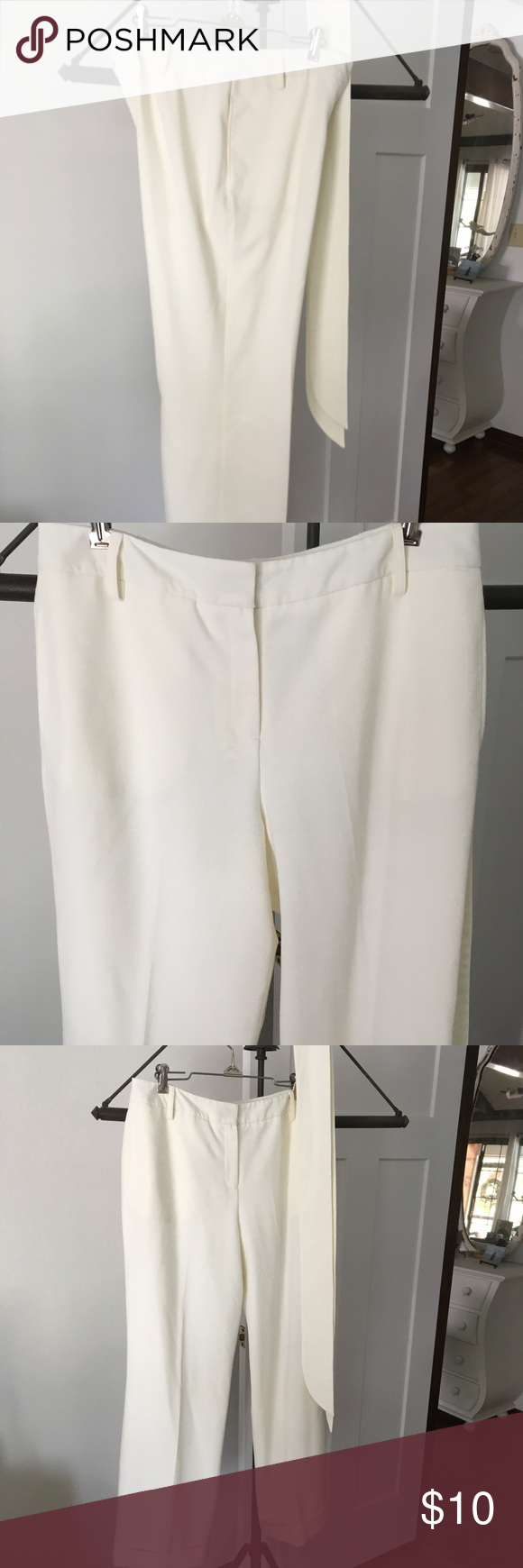 Larry Levine winter white slacks Larry Levine winter white slacks Lined Sash Pockets Very pretty! Excellent condition Size 12p Larry Levine Pants Trousers #whiteslacks