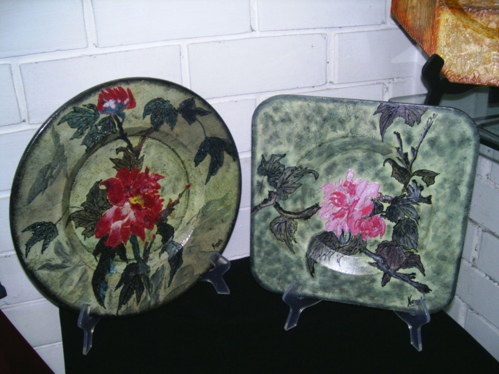 Platos decorativos para colgar en pared o sobre mesa t cnica relieves dise o flores chinas - Platos decorativos pared ...