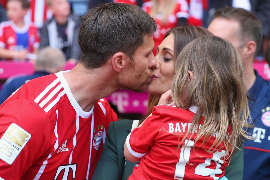 Xabi Alonso Of Bayern Muenchen Kisses His Wife Nagore Aramburu
