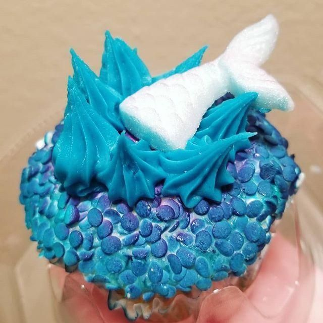 Sealife Cake This was the prettiest cupcake had only two months late for - Sealife