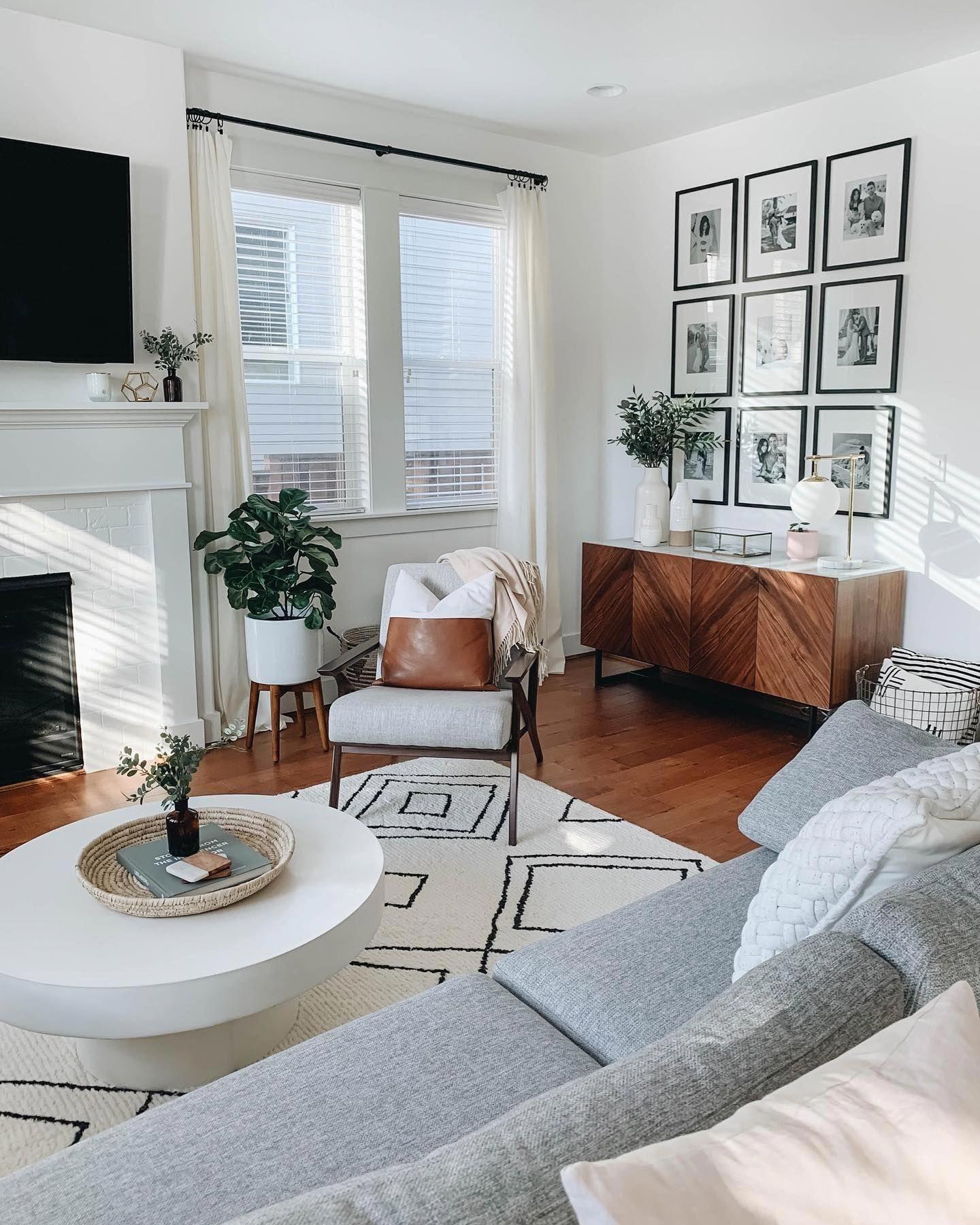 Black Frames Pick Up The Fireplace Carpet Design In