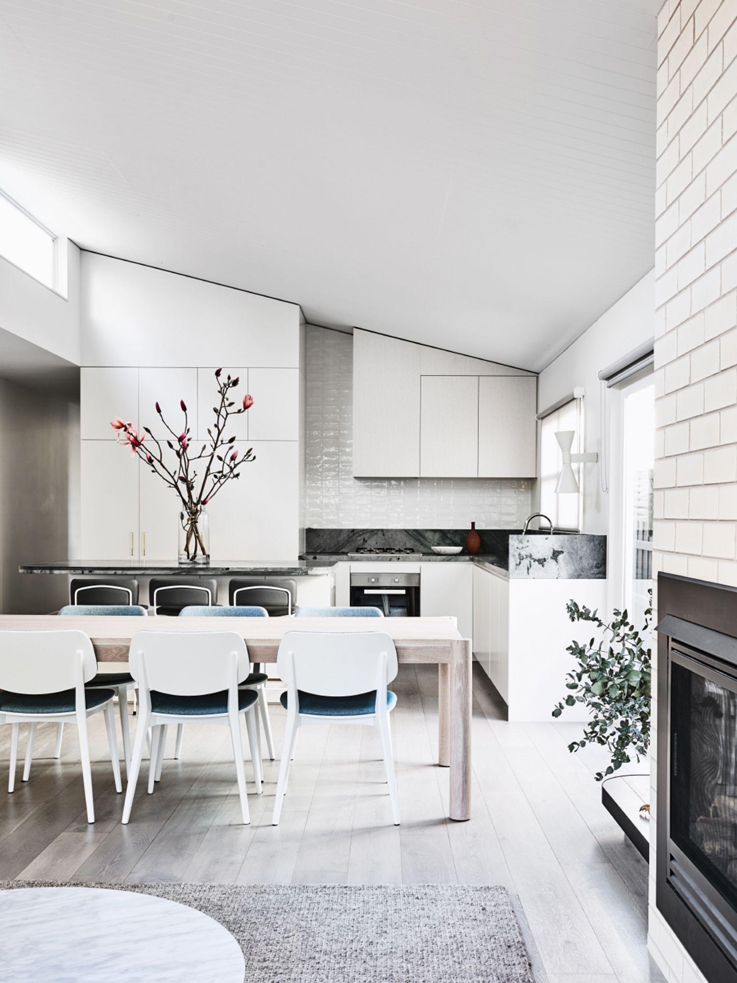 Le corbusier designed the applique de marseille for his paris apartment at rue nungesser et coli wall lamp double emission read more
