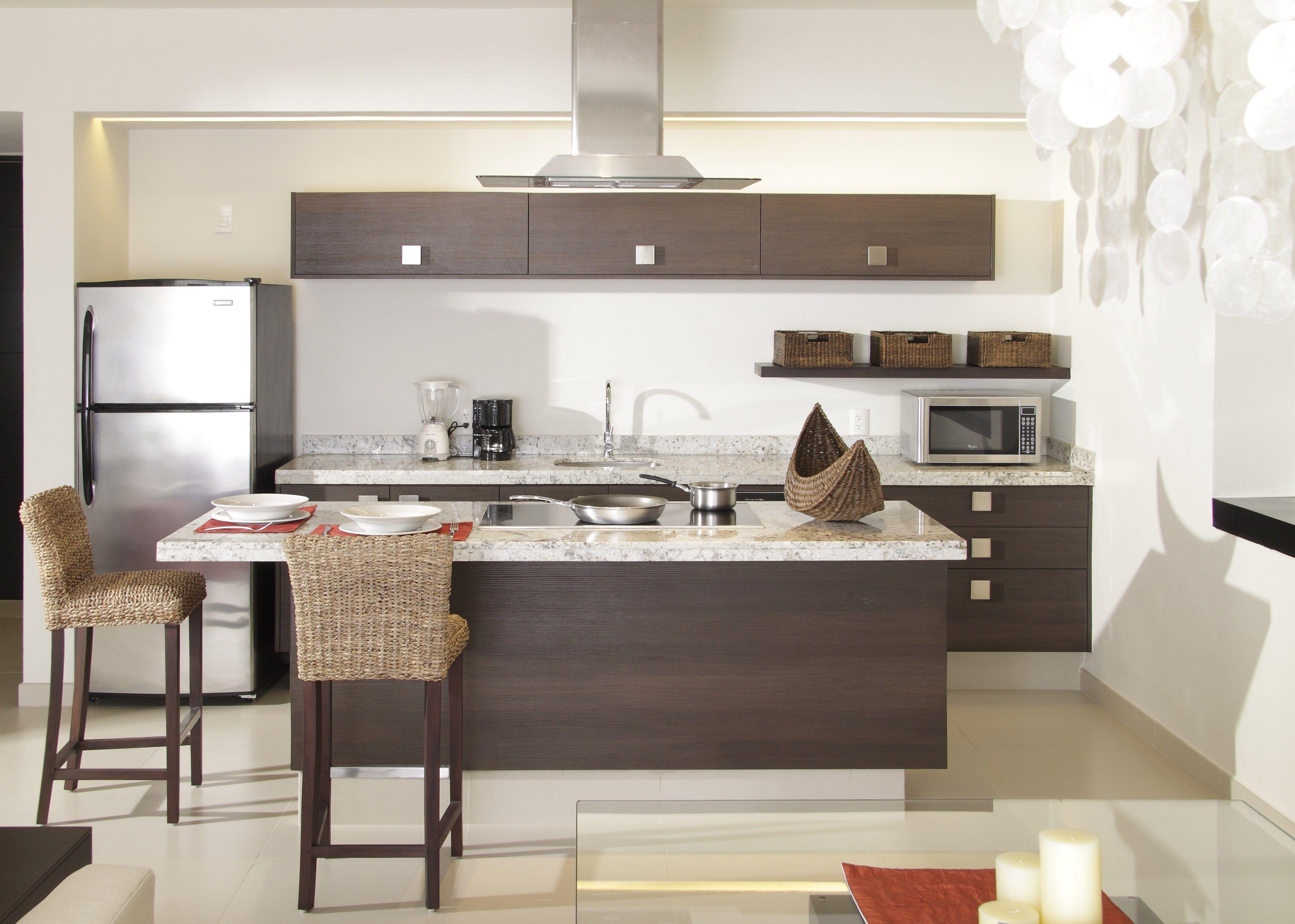 Como dise ar una casa peque a moderna buscar con google for Una cocina moderna