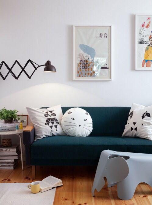 Wohnzimmer Couch, Kissen, Lampe, Leuchte, Bilder, DIY, Retro Haus