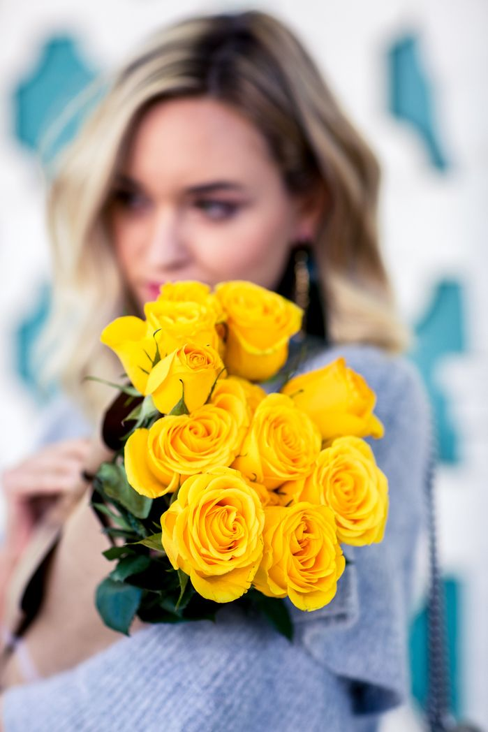 yellow roses   Girls with flowers, Flower girl photos, New flower images