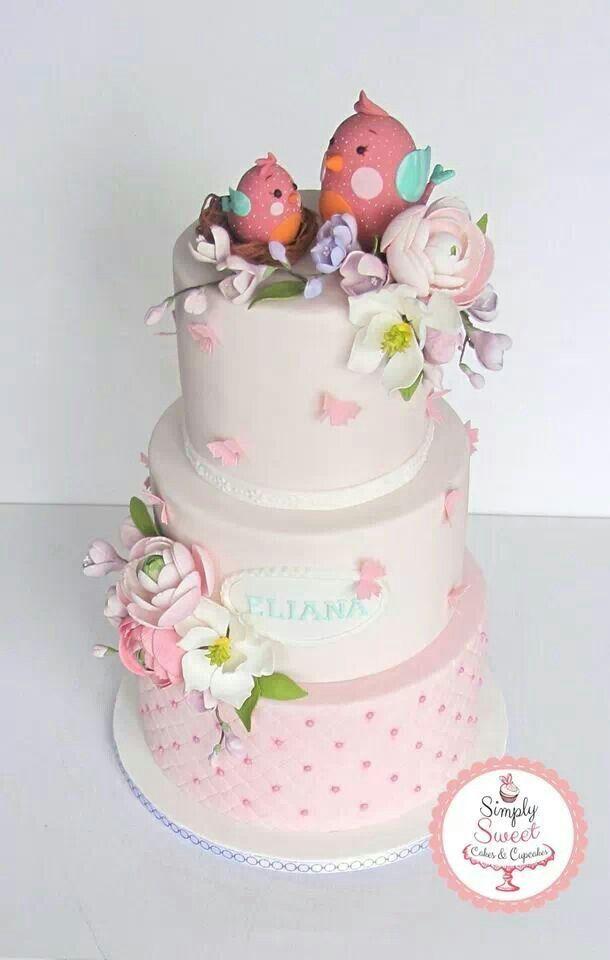 Cake With Fondant Bird : Fondant Baby Cake With Mama Bird Feeding Her Newly Hatched ...