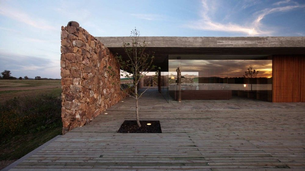 Punta house marcio kogan design de casa arquitetura e for Casa minimalista uy