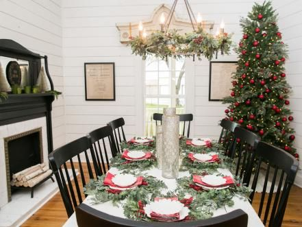 Fixer Upper Renovation And Holiday Decor At Magnolia House Bed And