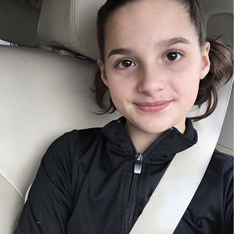 I Honestly Think That Annie Looks Better Without Makeup Annie