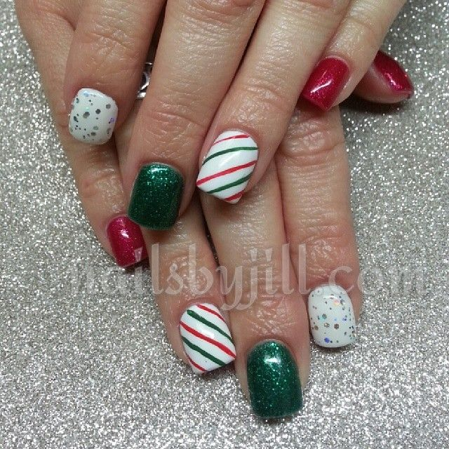 #sparkly #nails #nailart #holidaynails