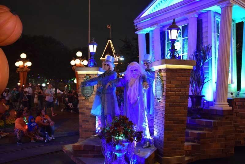 Disneyland Halloween Time - Mickey\u0027s Halloween Party 2018