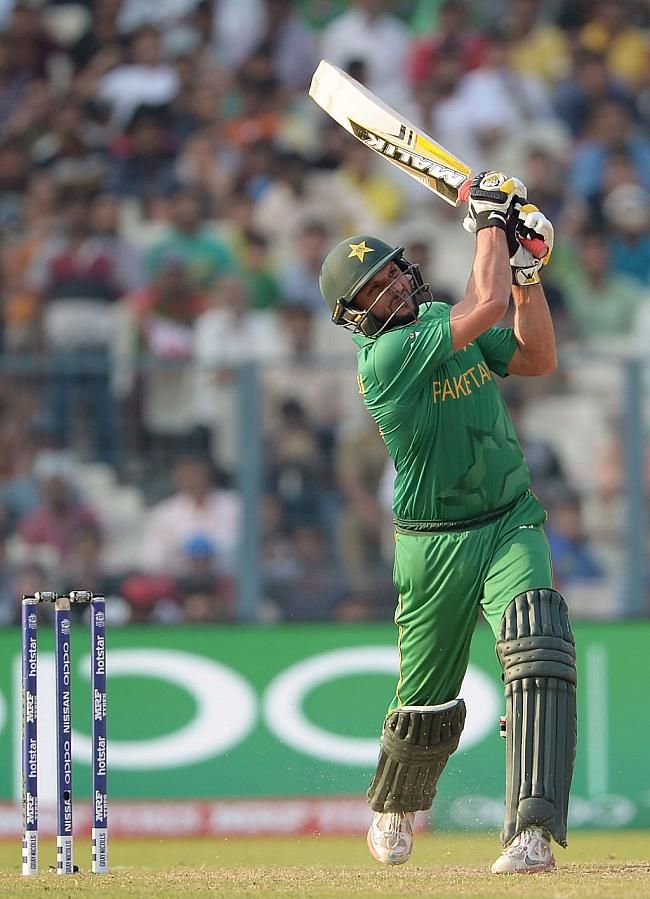 Pakistan Vs Bangladesh 14th Match Wt20 2016 Cricket Photos Pakistan Vs Cricket Wallpapers Pakistan Cricket Team
