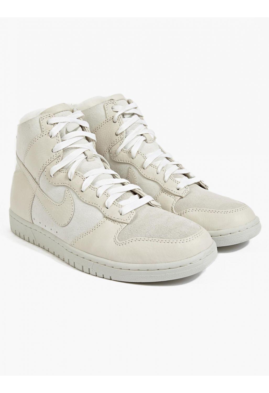 Nike Men's White Dunk Lux SP Sherpa Hi-Top Sneakers | oki-ni