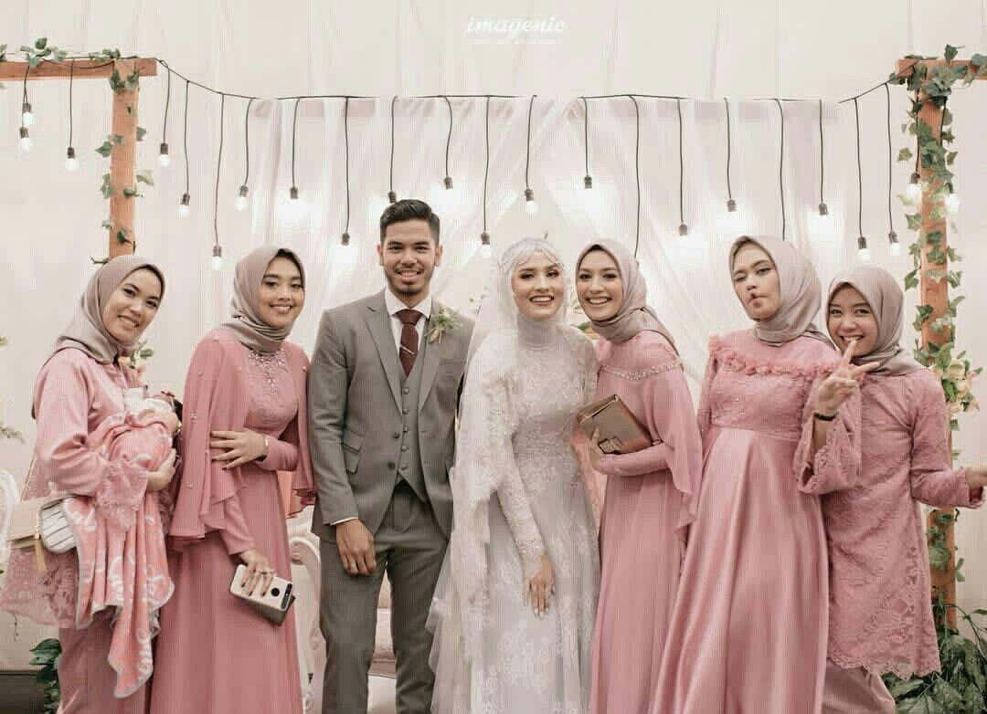 Dwihandaanda Bridesmaids  Pakaian pernikahan, Fotografi pengantin