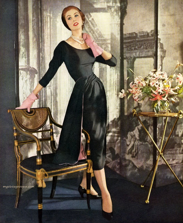 Suzy Parker wearing Hattie Carnegie, 1952