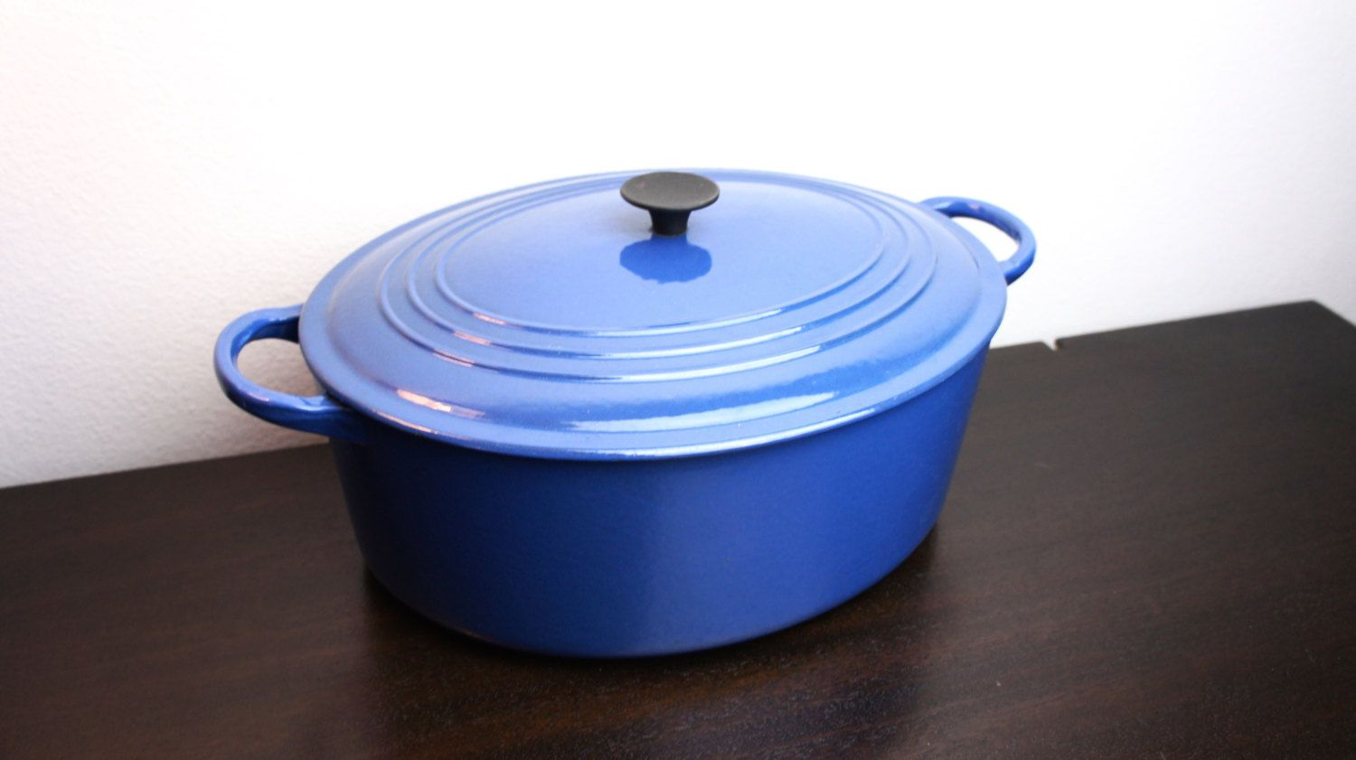 vintage le creuset small cocotte oval dutch oven with metal handle