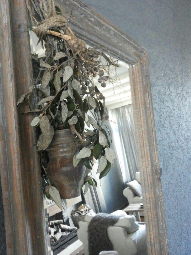 Toefje Steeneik met een dadeltakje en ornamentje.