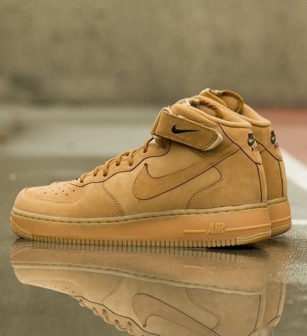 Nike Air Force Schuh 1 Mediados 07 De Oliva / Vela / Goma descuento 2014 unisex 9vQkt7I