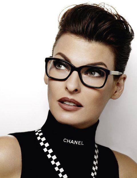 3199570297 Nos encantan estas gafas graduadas de forma de mariposa de pasta.