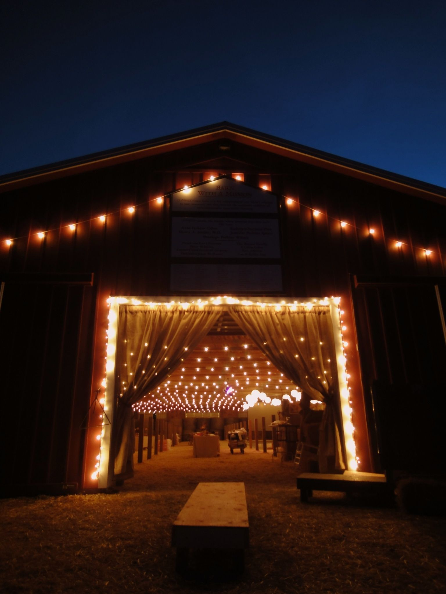 Hudson Valley Barn Wedding At Glynwood Farm Coldspring Ny Lighting By Hourgllighting