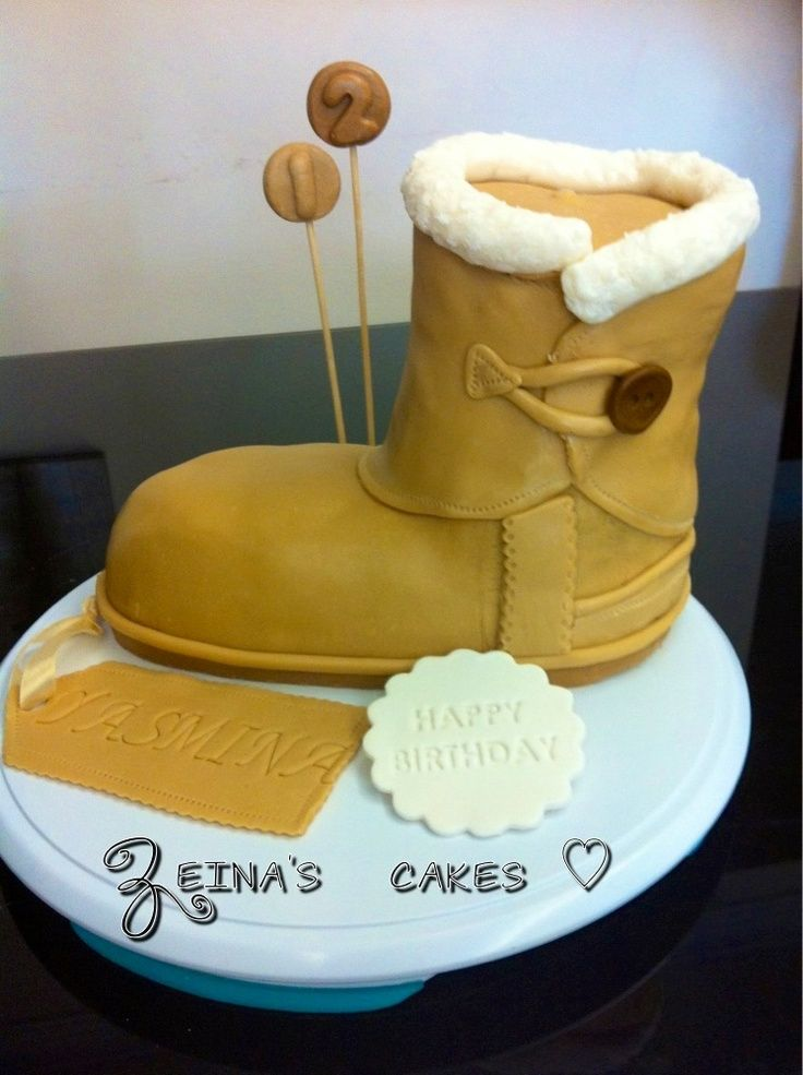 4d4ce2428bd Ugg boot cake ugg Cyber Monday View More: www.yi5.org | fall outfits ...