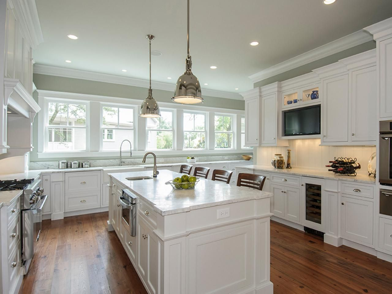 Warm Paint Colors For Kitchens Pictures Ideas From Hgtv: Painting Kitchen Cabinets Antique White: HGTV Pictures