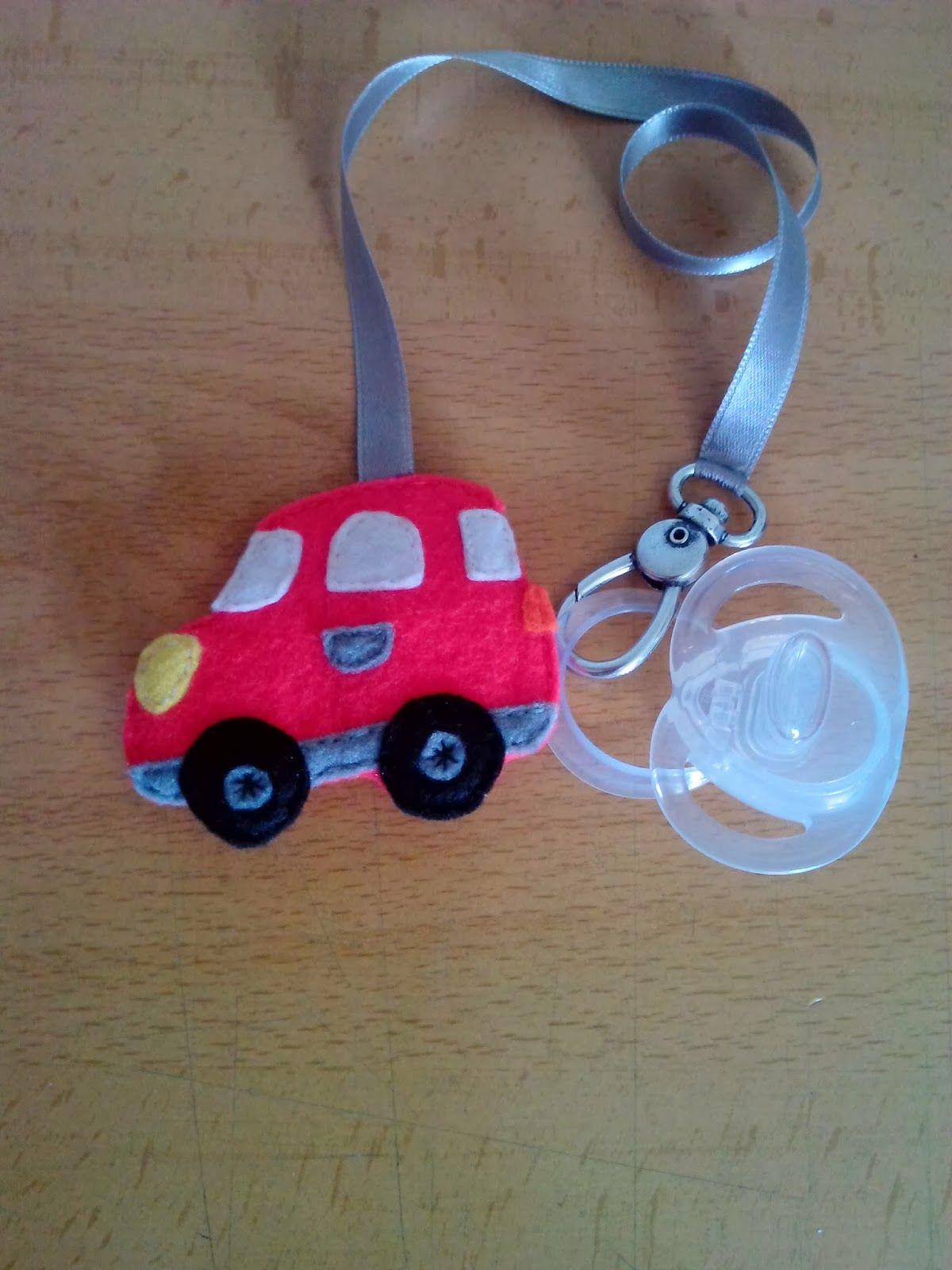 Chupetero modelo coche rojo. Disponible en mi blog!