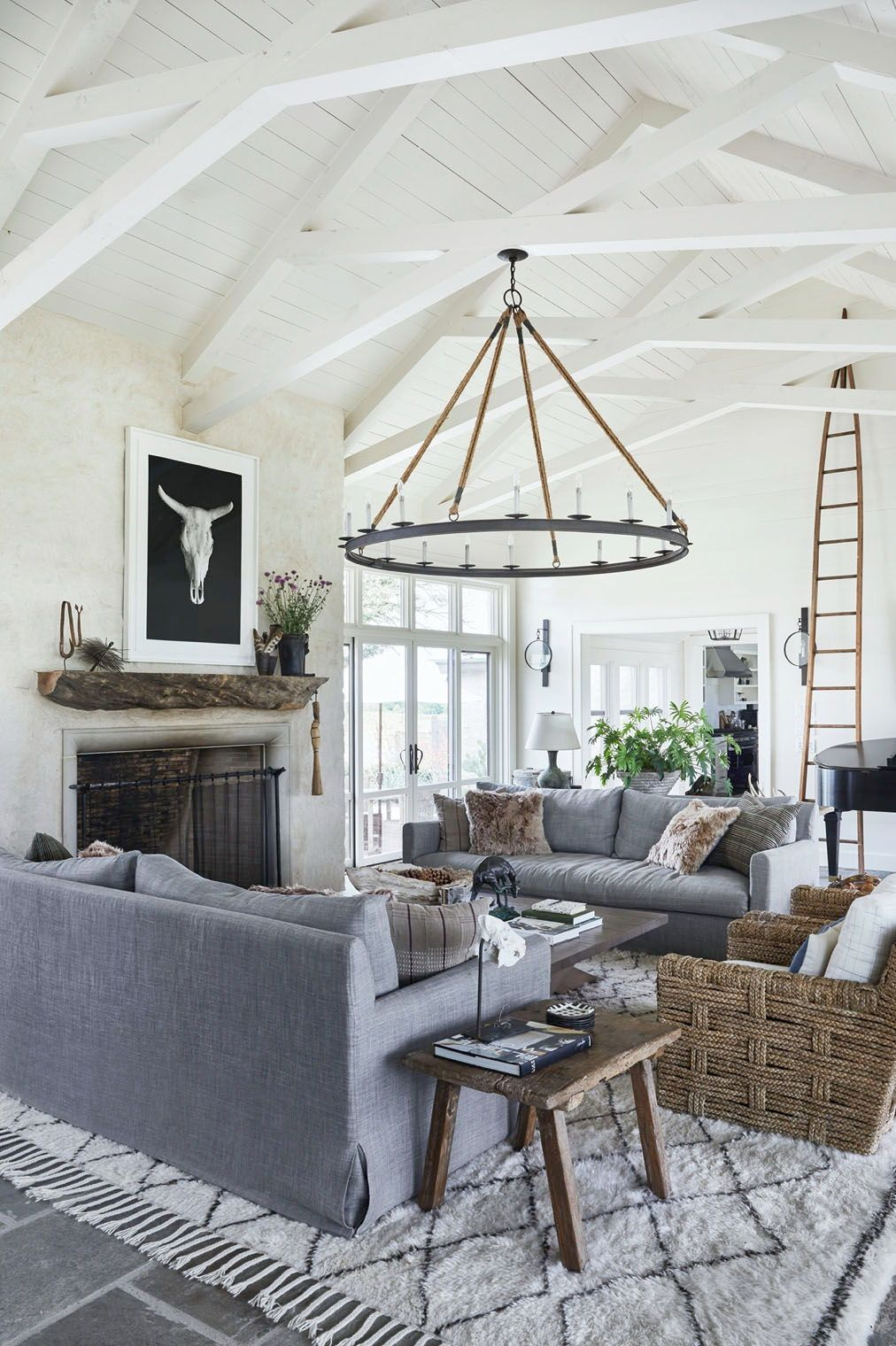 Texas Hill Country Home Gets A Gorgeous Rustic Contemporary Makeover Modern Farmhouse Living Room Modern Farmhouse Living Room Decor Farm House Living Room