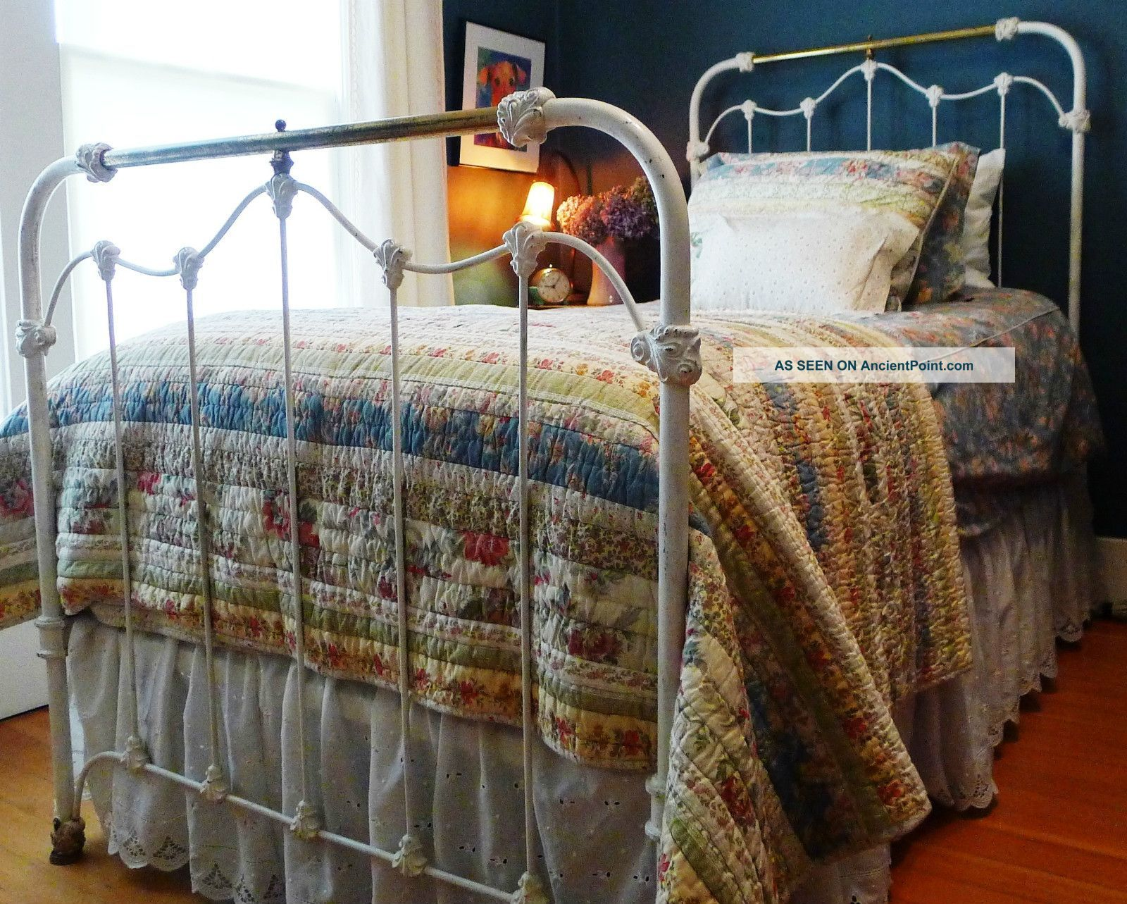 Antique iron bed frame - Antique Iron Beds Antique Iron Brass Twin Day Bed Vintage White 1900 1950 Photo