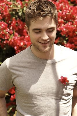 Pattinson Pictures - Online Photo Gallery for all Robert Pattinson Images