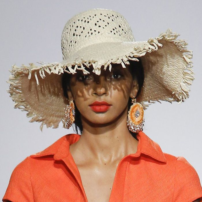 Hats Trend at New York Fashion Week Spring Summer 2018  Raffia straw hat.  Badgley Mischka Spring Summer 2018  NYFW  SS18 12840cff860